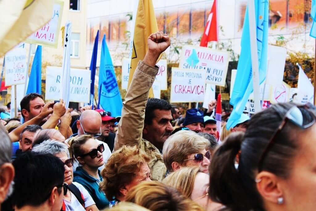 Sindikati: Građani imaju pravo znati zašto nije raspisan referendum